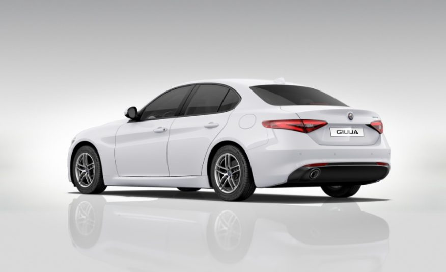 Alfa Romeo Giulia 2.2 Turbo AT8 136CV Business